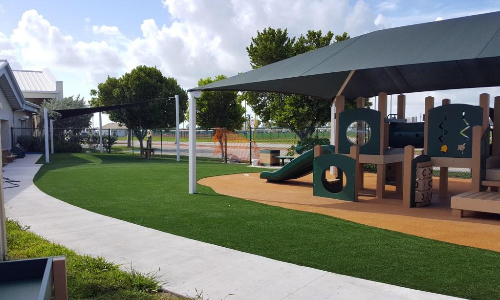 Safe4play-turf-fake-grass-installation_13