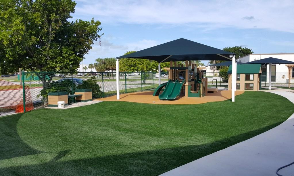 Safe4play-turf-fake-grass-installation_14