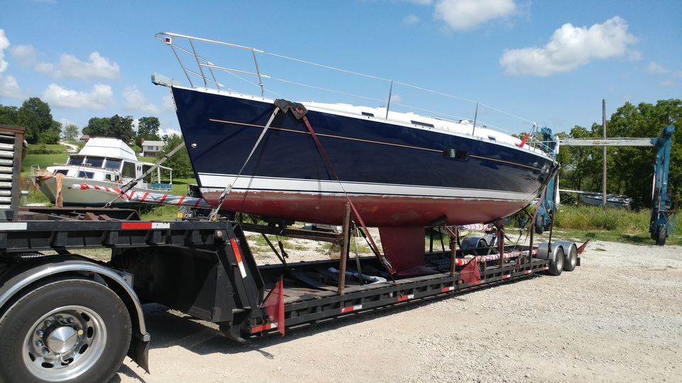 Front left angle of the Oceanis 361