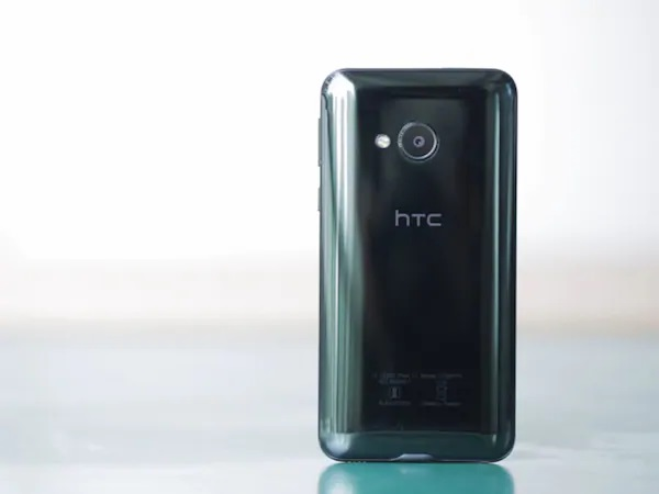 How to boot into safe mode on HTC U Play