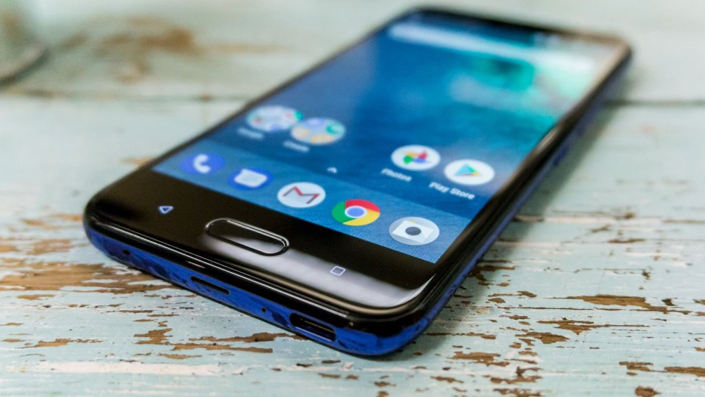 How to boot into safe mode on HTC U11 Life