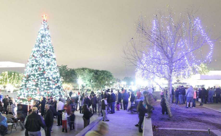 Conroe Tree Lighting