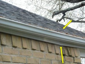Wall appears to lean inward home inspection issue