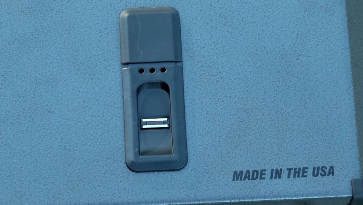 biometric gun safe speedvault
