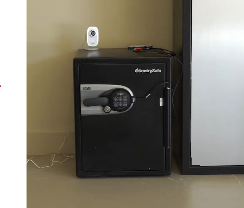 fireproof waterproof safe