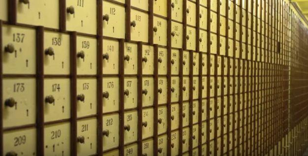 safe deposit box bank (8)