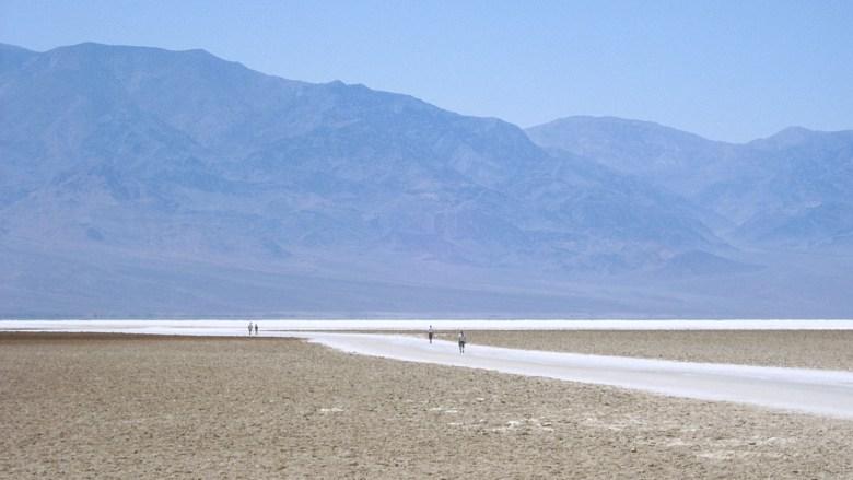 Flirrende Hitze in Badwater - Death Valley National Park