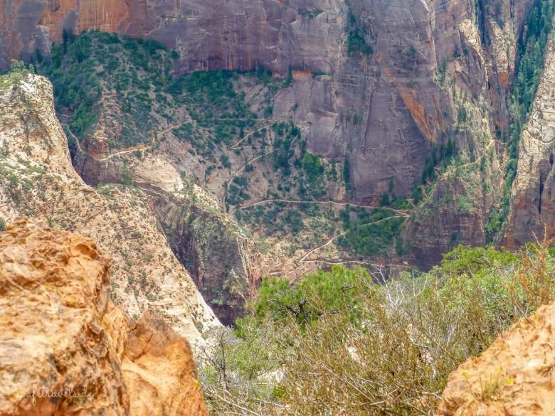 Rechts zweigt der Trail zum Hidden Canyon ab