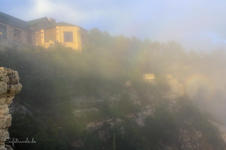 Lodge im Nebel