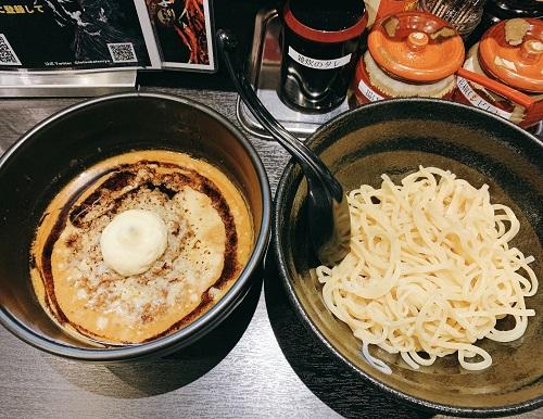地獄の担担麺 天竜 トツカーナモール店の元祖天竜つけ麺トッピング炙りチーズマヨ