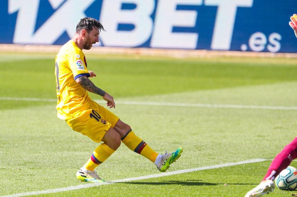 Messi et le Barça collent une manita à Alavés