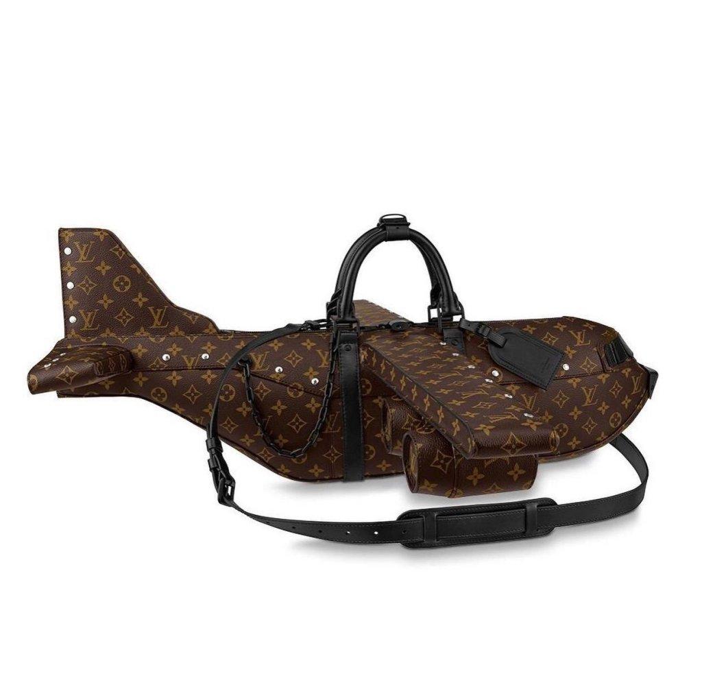 Ce sac Vuitton en forme d'avion coûte plus cher qu'un avion