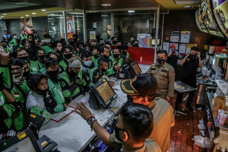"""Indonésie : ruée sur le menu """"BTS"""" de McDo, 13 restaurants ferment par peur du coronavirus"""