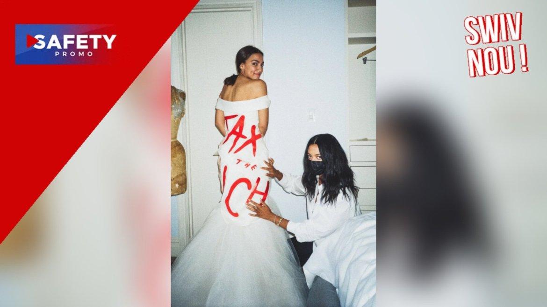 Alexandria Ocasio-Cortez porte une robe « Taxez Les Riches » au Met Gala