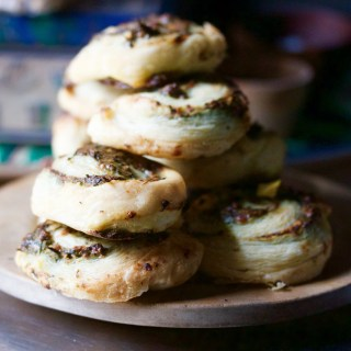 Ramp pesto pinwheels