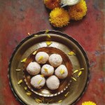 coconut laddoo / sweet coconut balls