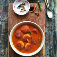 Bengali Chanar Kalia / Curry Of Cottage Cheese Balls