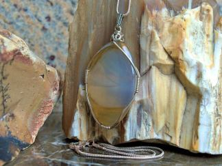 Montana Agate, oval shape pendant necklace