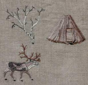 Ren vid kåta Ren (Rangifer Taradus) är ett arktiskt hjortdjur, unikt för att både hanen och honan har horn. Kåtan är en samisk bostad. På en stomme av trä läggs näver och torv, eller tältduk. Samebyarna Vilhelmina Norra och Vapsten bedriver renskötsel i området.