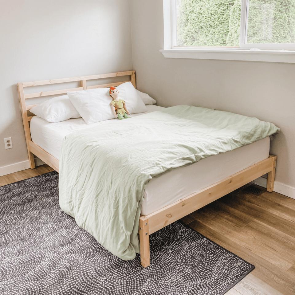 Tweens minimalist bedroom