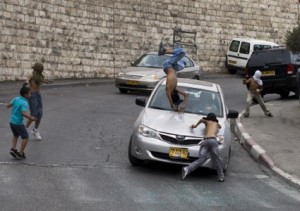 Pemukim Yahudi Tabrak Anak Palestina. Foto: Al-Aqsa Voice