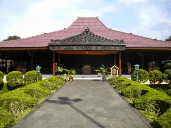 Rumah Adat Yogyakarta Rumah Joglo
