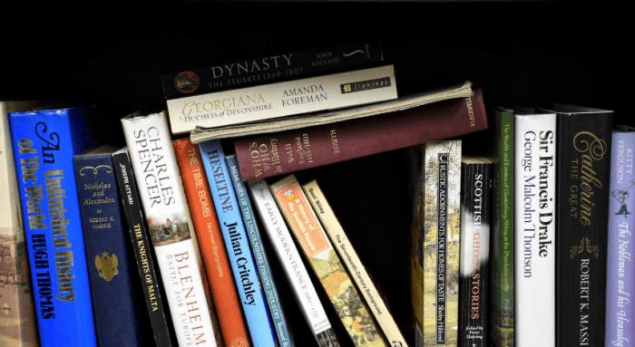 Cara Meresensi Buku