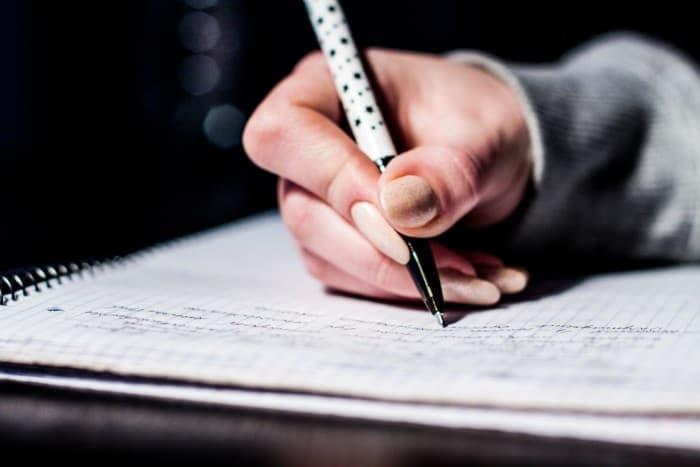 Kalimat merupakan predikat dalam pandangan aliran struktural yang dianggap sebagai unsur  50 Contoh Kalimat Imperatif, Deklaratif, Interogatif Beserta Pengertiannya