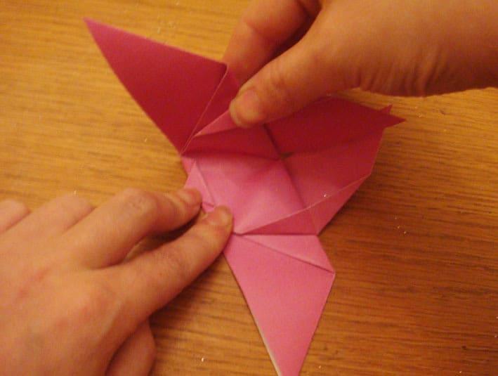 Cara Bikin Bunga dari Kertas
