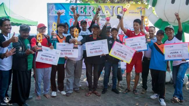 Para Pemenang Festival Patung Pasir