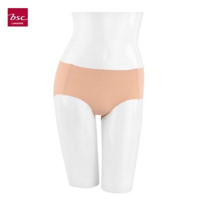 Bsc Lingerie BSC lingerie กางเกงชั้นในรูปแบบ half nude panty เรียบเนียนไร้ขอบ เเพ็ค 3 ตัว สี เนื้อ ไซส์ M