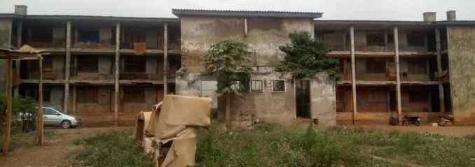 Oda barracks, Adekunle Ajasin road, behind Officers mess, Akure