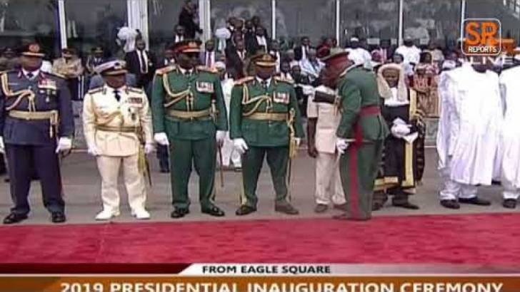 WATCH: Oshiomole Disgraced, Walked Out For Standing In Wrong Protocol Order While Awaiting President