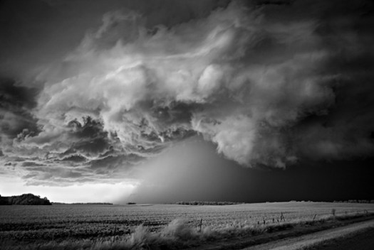 8-31014-11_IPA_Mitch_Dobrowner_Storm_over_Field