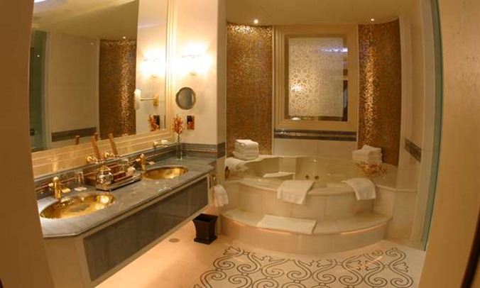 Royal Khaleej  Suite Bathroom