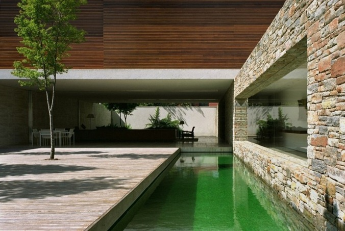 Mirindaba-House-in-Brazil-by-Marcio-Kogan-2