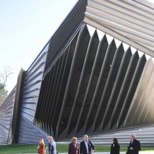 Zaha-Hadid-Architecture-Design-17-910x910