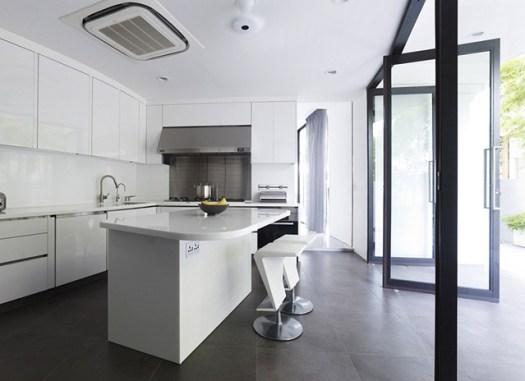 Kitchen-all-white