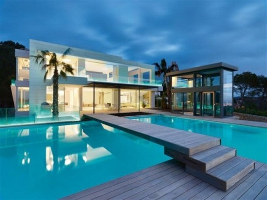 modern-home-with-pool