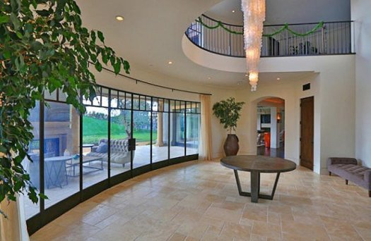Kourtney Kardashian home1- UPDKS