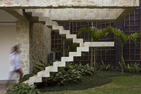 5-Arthur-Casas-casa-AL-rio-brazil-photo-fernando-guerra