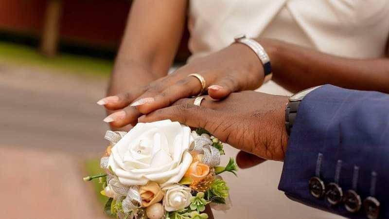 Au Mali : choix de se marier ou rester célibataire?