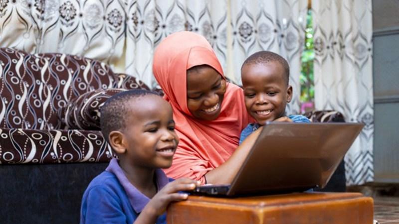 Comment à 20 ans [Sira] devient mère célibataire à deux enfants sans père