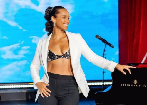 Video: Alicia Keys and family show love to Focalisitc