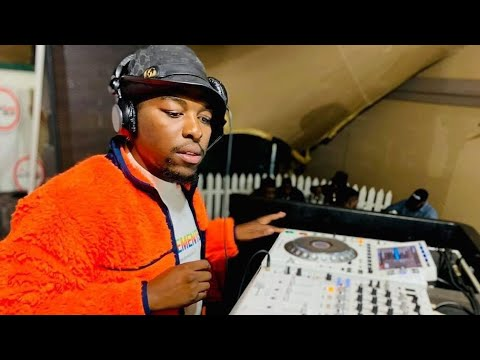 De Mthuda & Njelic ft Ntokzin & Malumnator - Ubusukuba Izolo
