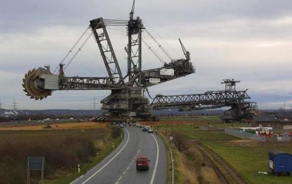 Mesin Terbesar di Dunia - Bagger 293 b
