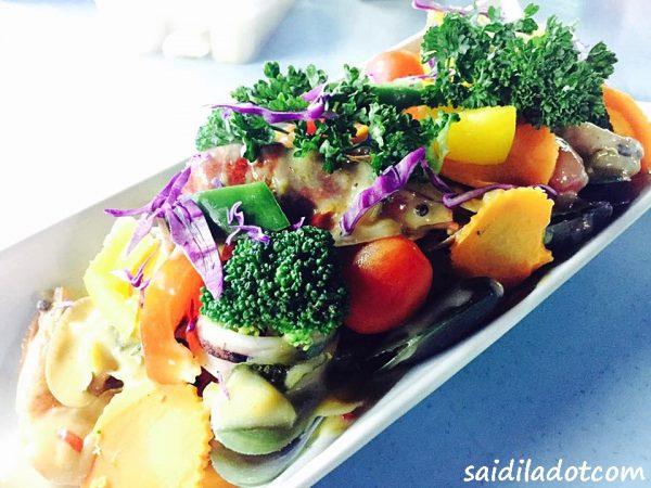 Nikmati Hidangan Shellout Akak Viral Di Food Court Kuarters KLIA , Sepang