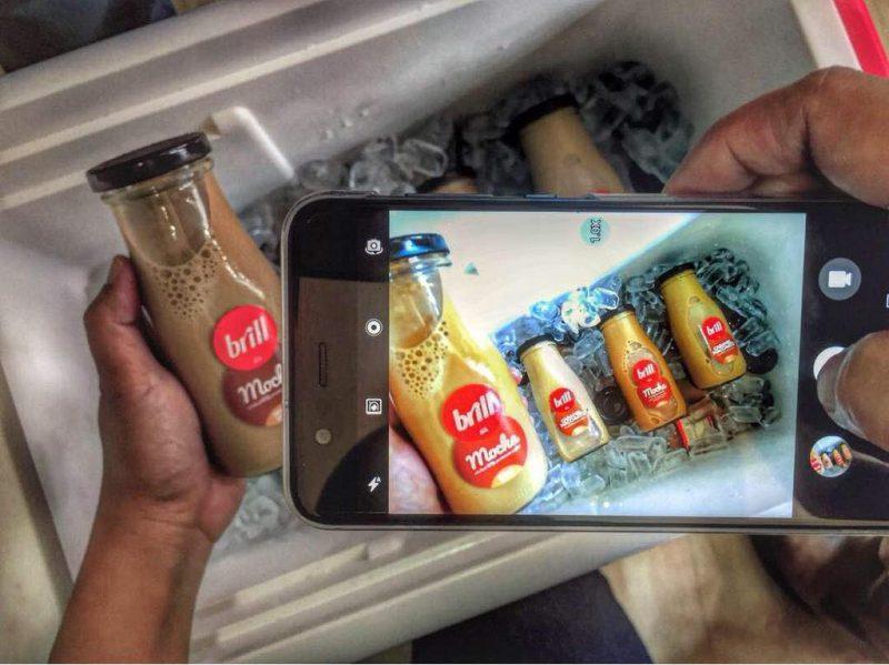 Teknik Mengambil Gambar Menggunakan Smartphone Dalam Bengkel Fotofon KBBA Bersama Sony