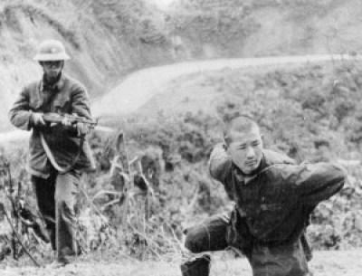 Un tankiste de L'Armée Populaire de Chine fait prisonnier par les Vietnamiens à Cao bang