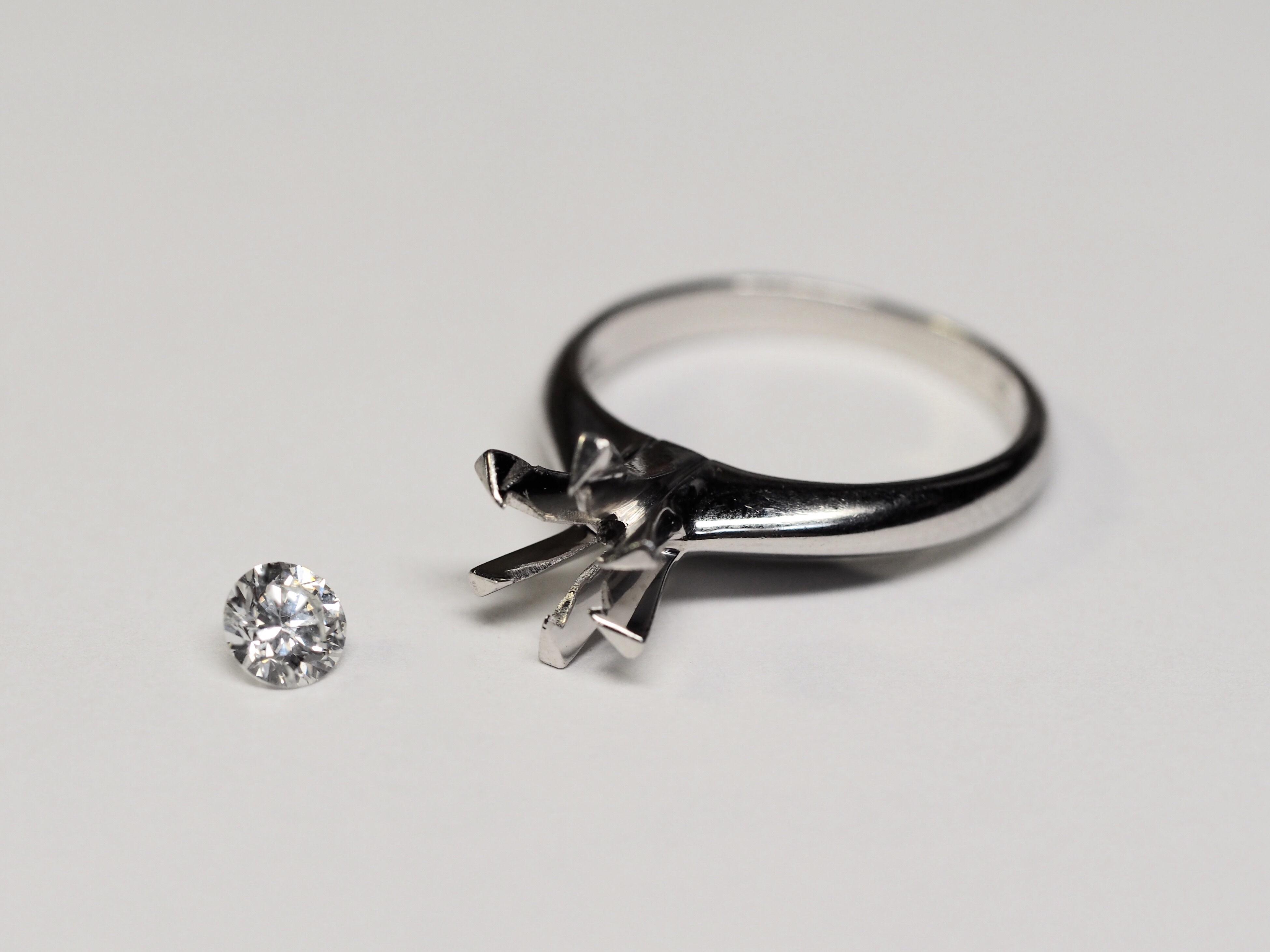 立て爪 指輪 修理 リフォームジュエリー リメイク リモデル プラチナ 立て爪 ダイヤモンド SAIJO 森拓郎